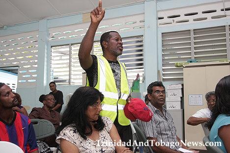 La Seiva Village resident raises concerns at meeting
