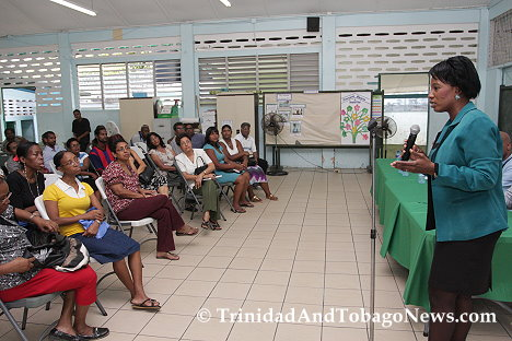 Residents of upper and lower La Seiva, Maraval at a meeting with members of the Ministry of Works and Infrastructure