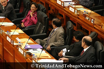 Kamla under the watchful eyes of Panday's loyalists